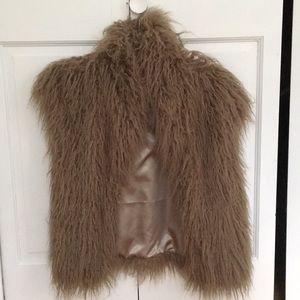 BB Dakota Faux fur vest. Excellent condition!